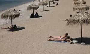 Οργανωμένες Παραλίες: Τι πρέπει να κάνεις για να σου φυλάξουν μια ομπρέλα;