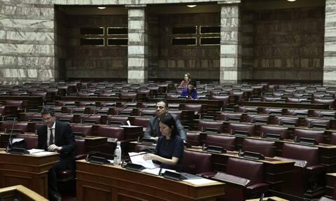 Θεσσαλονίκη: Επίθεση σε γραφείο βουλευτή της ΝΔ (pics)