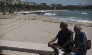 Κορονοϊός Γαλλία: Κολυμπήστε μην κάνετε όμως ηλιοθεραπεία - Με περιορισμούς στη γαλλική Ριβιέρα