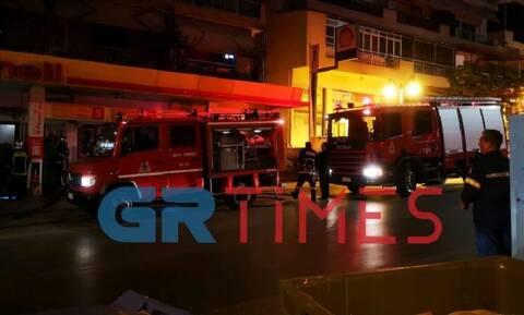 Αναστάτωση στη Θεσσαλονίκη από πυρκαγιά σε βενζινάδικο
