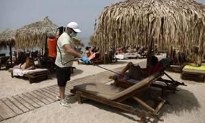 Αναστέναξαν οι παραλίες και με τη μεζούρα... Τάξη στις οργανωμένες, χαμός στις ελεύθερες πλαζ!