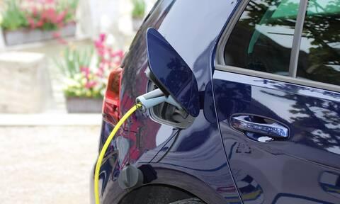 Έρχεται το καλοκαίρι πρόγραμμα επιδότησης ηλεκτροκίνητων αυτοκινήτων