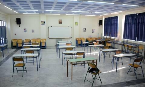 Ανοίγουν τα σχολεία: Στις τάξεις από σήμερα οι μαθητές γυμνασίου και Α' - Β' λυκείου