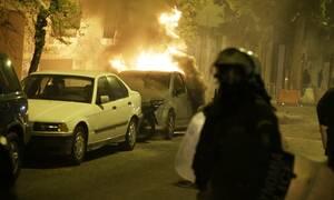 Νύχτα εμπρησμών στην Αθήνα: Μέσα σε 15 λεπτά έκαψαν ΙΧ και ΑΤΜ