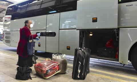 Άρση μέτρων: Πώς ταξιδεύουμε από σήμερα με αεροπλάνα, τρένα, λεωφορεία
