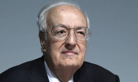 Ο Ιταλός φαρσέρ ξαναχτύπησε - «Πέθανε» τον Χρήστο Σαρτζετάκη