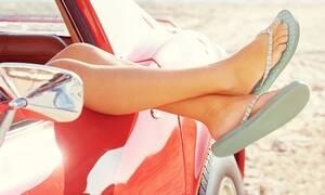 Η οδήγηση με σαγιονάρες τιμωρείται με πρόστιμο; Και αν ναι με πόσο;