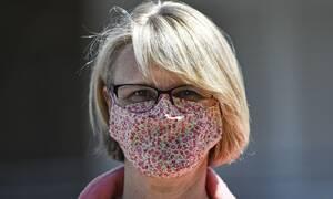 Κορονοϊός - Προσοχή: Έρευνα αποκαλύπτει πως ο ιός μεταδίδεται μέχρι και 5,5 μέτρα όταν φυσάει