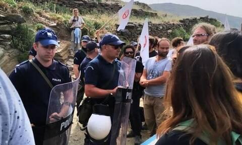 Τήνος: Διαδηλωτές που διαμαρτύρονταν για την εγκατάσταση ανεμογεννητριών καταγγέλουν επίθεση από ΜΑΤ