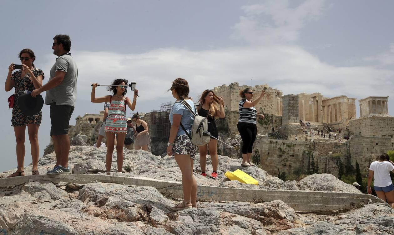 Τουρισμός: Οι πρώτες αντιδράσεις στο σχέδιο επανεκκίνησής του - Από ποιες χώρες θα έρθουν τουρίστες