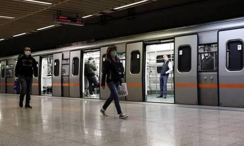 Μείωση ΦΠΑ στις μεταφορές: Πόσο θα κοστίζει πλέον το εισιτήριο σε Μετρό, τρένα και ακτοπλοϊκά