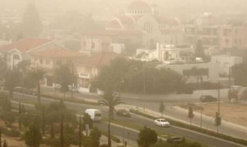 Καύσωνας και σκόνη στην Κύπρο: Σε ποια πόλη κτύπησε «κόκκινο»