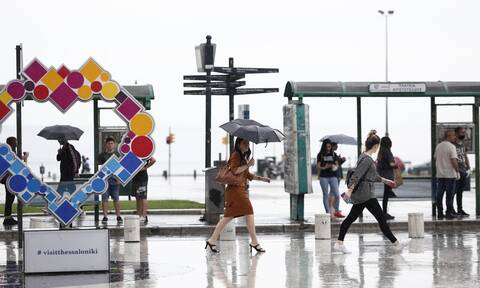 «Χάος» στην Θεσσαλονίκη: Πλημμύρες και κυκλοφοριακή συμφόρηση στην πόλη