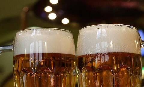 Κορονοϊός-Ισπανία: Ρομπότ σερβίρει μπύρα!