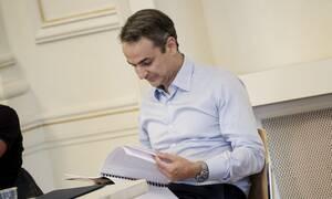 Στην πρόβα του Εθνικού Θεάτρου ο Μητσοτάκης: Δεν θα αφήσουμε ξεκρέμαστους τους ανθρώπους της τέχνης