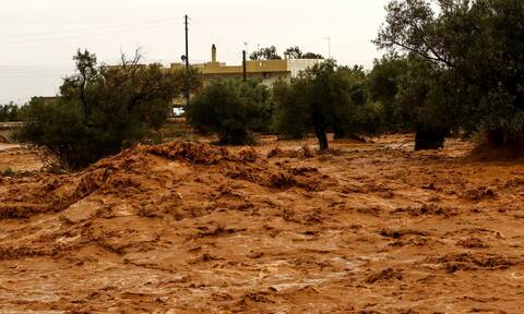 Στο έλεος της κακοκαιρίας Θεσσαλονίκη και Χαλκιδική: Πλημμύρες, χείμαρροι, καταιγίδες και διασώσεις