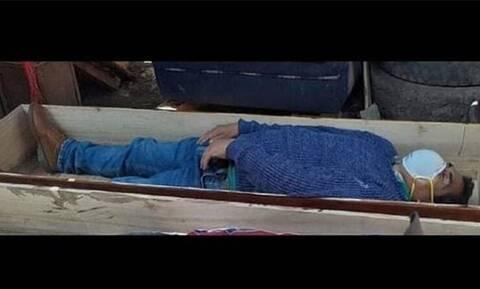 Απίστευτο: Δήμαρχος «έσπασε» την καραντίνα και έκανε το νεκρό για να γλυτώσει το πρόστιμο!