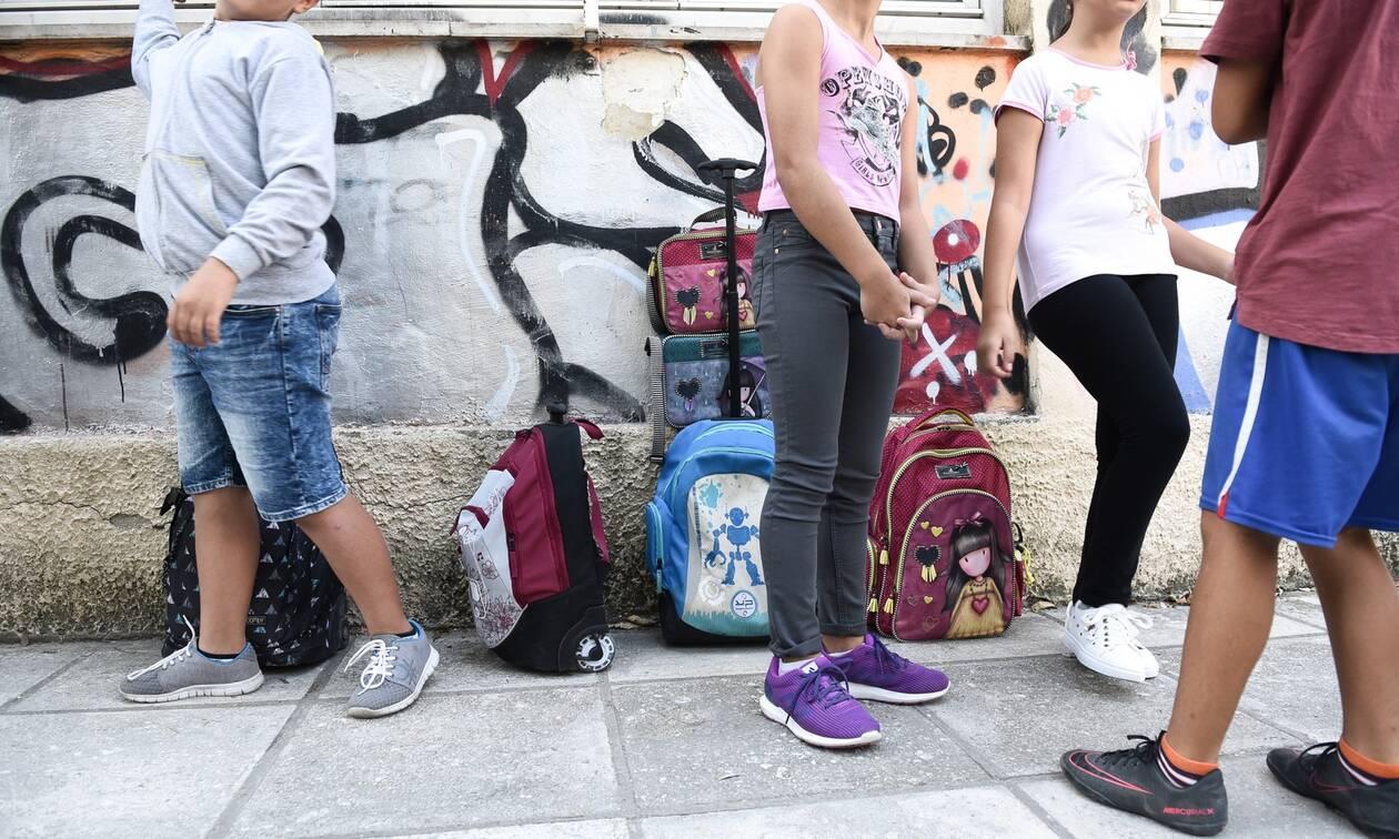 Κλειστά σχολεία-Πέτσας: Κινούμαστε προς το άνοιγμα των Δημοτικών - Τη Δευτέρα οι ανακοινώσεις