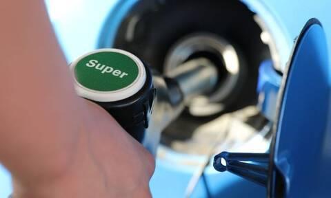 Το ήξερες; Γιατί το αυτοκίνητο καίει λιγότερη βενζίνη το καλοκαίρι