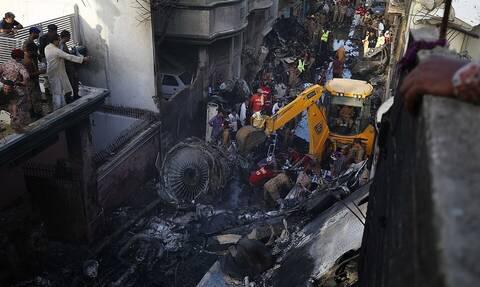 Τραγωδία στο Πακιστάν: Η στιγμή της πτώσης του μοιραίου αεροσκάφους