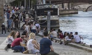 Κορονοϊός: Το Παρίσι απειλεί με αντίμετρα τη Βρετανία μετά την απόφαση για καραντίνα των ταξιδιωτών