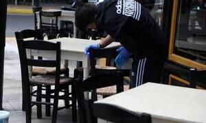 Άρση μέτρων: Ποια καταστήματα ανοίγουν τη Δευτέρα - Πυρετώδεις προετοιμασίες σε καφέ και εστιατόρια