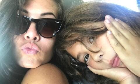 Μαρία Κορινθίου: Δείτε την κούκλα κόρη της με μπικίνι – Θα πάθετε πλάκα (pics)