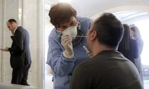 Κορονοϊός: Πότε παύουν να είναι μολυσματικοί οι ασθενείς με Covid-19; Τι δείχνει νέα μελέτη