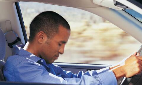 Έχετε κοιμηθεί για δευτερόλεπτα στο τιμόνι; Δείτε τι μπορείτε να κάνετε για να το αποφύγετε