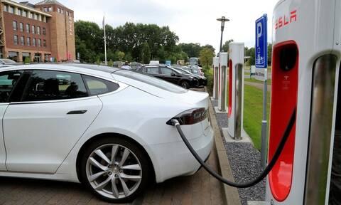 «Πράσινο φως» για την επιδότηση αγοράς ηλεκτρικού αυτοκινήτου - Πόση θα είναι;