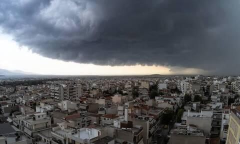 Καιρός: Ραγδαία επιδείνωση με καταιγίδες και χαλάζι - Ποιες περιοχές θα πληγούν τις επόμενες ώρες