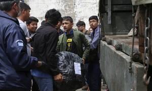 Απίστευτο: Οργάνωση μεταναστών αμφισβητεί την ελληνική κυριαρχία στη Μόρια