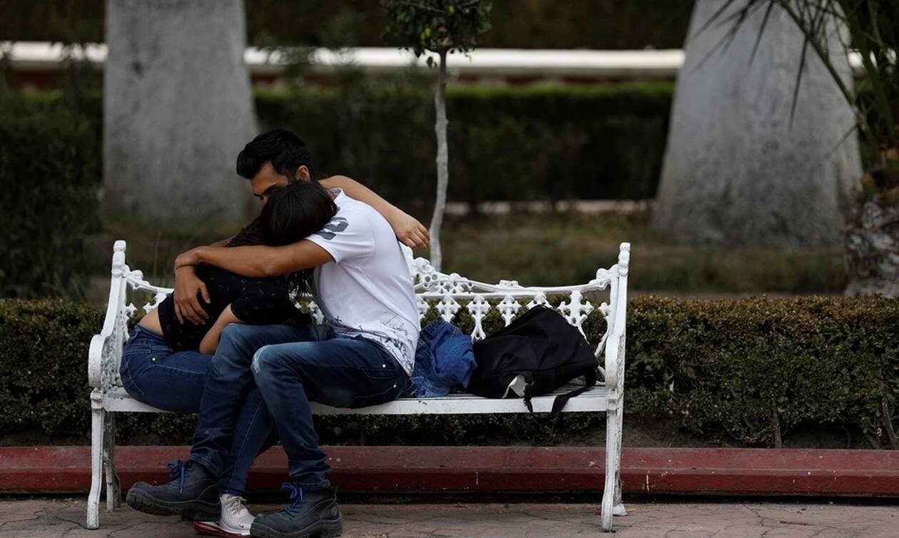 Κορονοϊός Δανία: Μόνο τα ζευγάρια με σχέση άνω των 6 μηνών θα περνούν τα σύνορα για να συναντηθούν