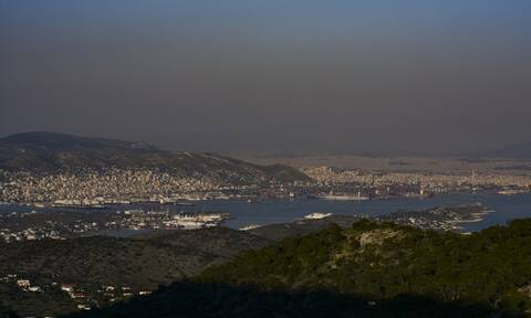 Handelsblatt: Τo λιμάνι του Πειραιά είναι τώρα το Νο 1 στη Μεσόγειο