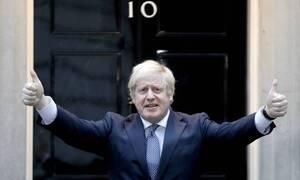 Κορονοϊός Βρετανία: Το σχεδιασμό για το άνοιγμα των καταστημάτων από 1/6 ανακοίνωσε ο Μπόρις Τζόνσον