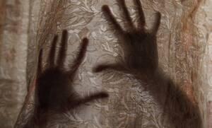 Ρόδος: «Με βίαζαν ο ένας μετά τον άλλον και μου έλεγαν ότι μου αξίζει»