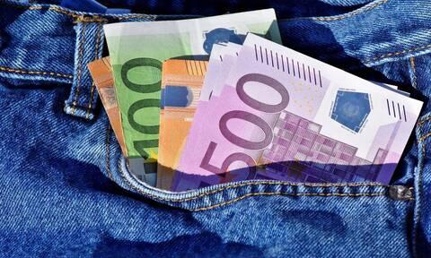 ΟΠΕΚΑ - Επιδόματα: Πότε θα δουν τα χρήματα οι δικαιούχοι στους λογαριασμούς τους