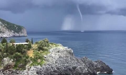 Εύβοια: Εντυπωσιακό βίντεο με υδροσίφωνα στον Λιμνιώνα (vid)
