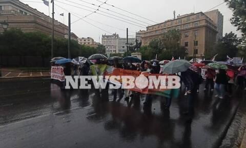 Πανεκπαιδευτικό συλλαλητήριο στο κέντρο της Αθήνας (pics+vids)