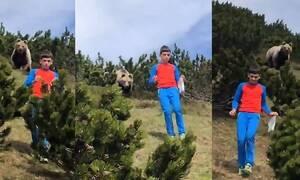 Έκανε πικ νικ με τους γονείς αλλά εμφανίστηκε αρκούδα - Απίστευτη η αντίδρασή του (pics+vid)