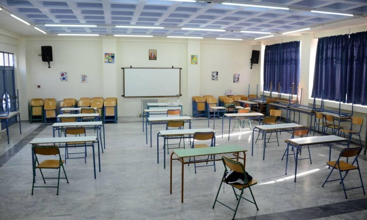 Ανοίγουν τα δημοτικά και τα νηπιαγωγεία: Από την Πέμπτη στα σχολεία οι εκπαιδευτικοί