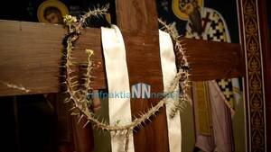 Φωκίδα: Δέος - Άνθησε το Ακάνθινο Στεφάνι του Εσταυρωμένου στον Ι.Ν. Παναγίας Φανερωμένης