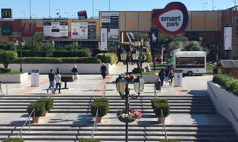 Εμπορικό κέντρο Σπάτων: Ανοιχτά τα μαγαζιά τις Κυριακές από Μάιο μέχρι Οκτώβριο