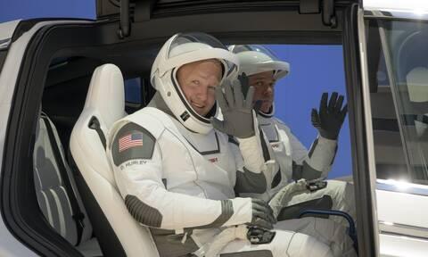SpaceX: Ακυρώθηκε η ιστορική εκτόξευση της πρώτης επανδρωμένης αποστολής