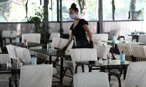 Παρατηρητήριο Covid-19: Τι συνέβη στην Ελλάδα μετά το άνοιγμα σχολείων, εστίασης και μετακινήσεων