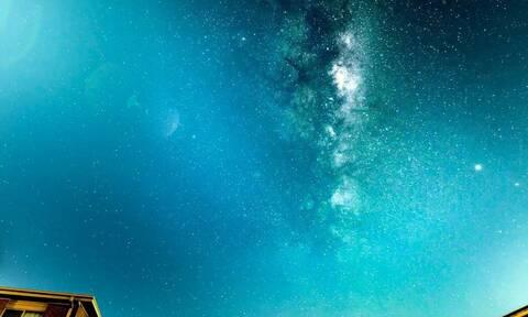 Φωτογράφος ζουμάρει με την κάμερά του στον ουρανό! Δείτε τι κατέγραψε...