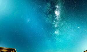 Φωτογράφος ζουμάρει με την κάμερά του στον ουρανό και παθαίνει σοκ! Δείτε τι κατέγραψε... (vid)