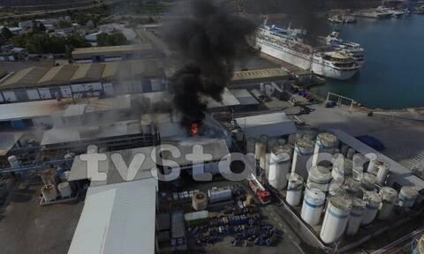 Φωτιά ΤΩΡΑ σε εργοστάσιο στη Χαλκίδα (pics)
