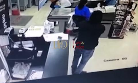 Νέα Φιλαδέλφεια: Καρέ-καρέ ένοπλη ληστεία σε σούπερ μάρκετ (vid)