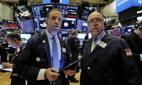 Πτώση στη Wall Street - Κέρδη για το πετρέλαιο